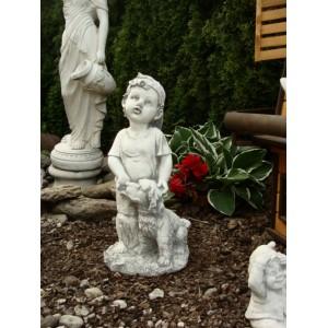 http://dormax-dekor.pl/sklep/398-thickbox/figurka-z-betonu-chlopiec-z-pieskiem-.jpg